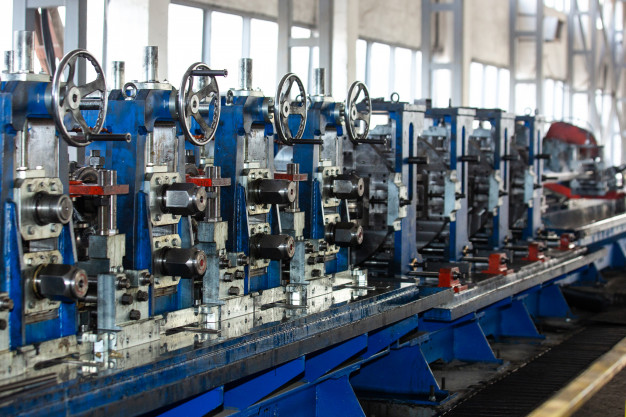 Machines in industrial building Free Photo